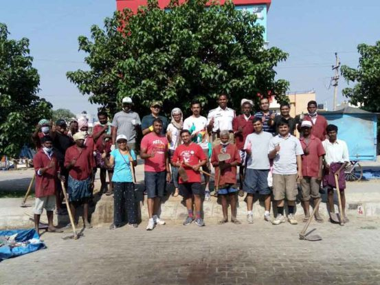 Raku Volunteering Gallery Clean Drive Mar 2016